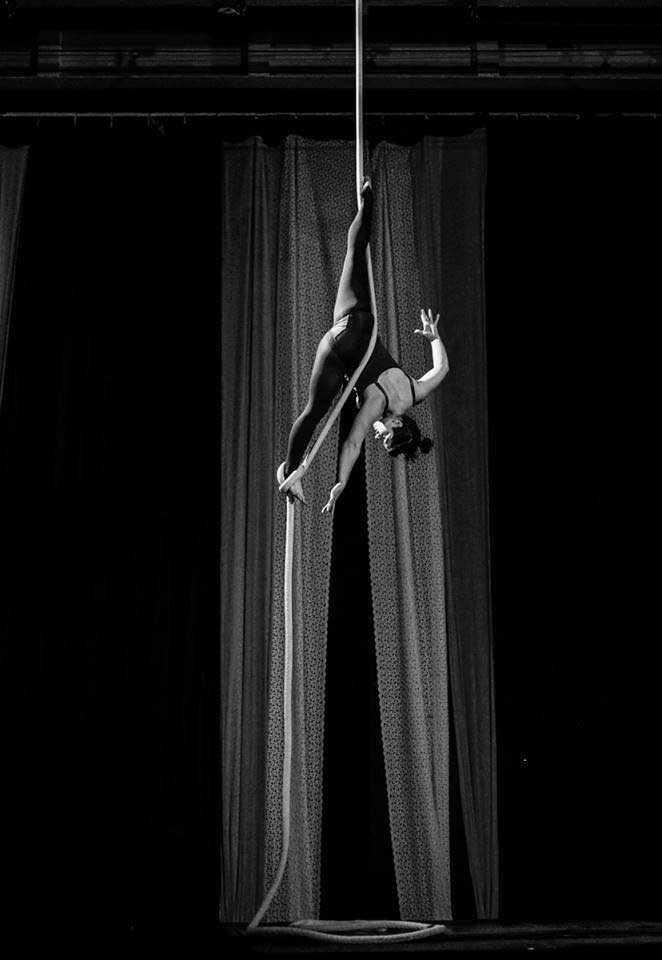 photo of jess hill, a NECCA rope coach, performing on rope